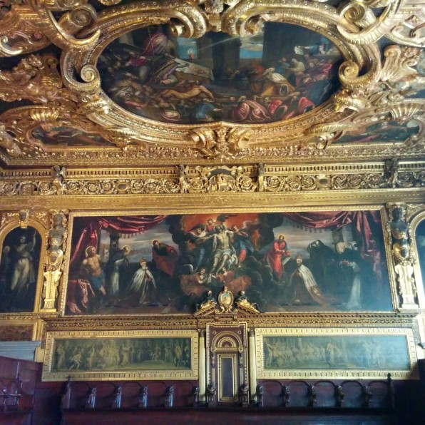 ceilingdogespalace